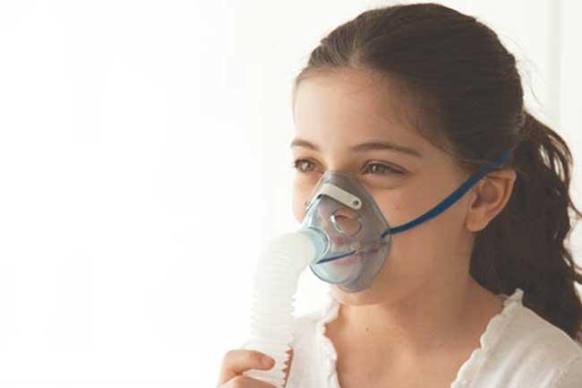 Vindecă-ţi laringita cu aerosoli cu antibiotice naturale!